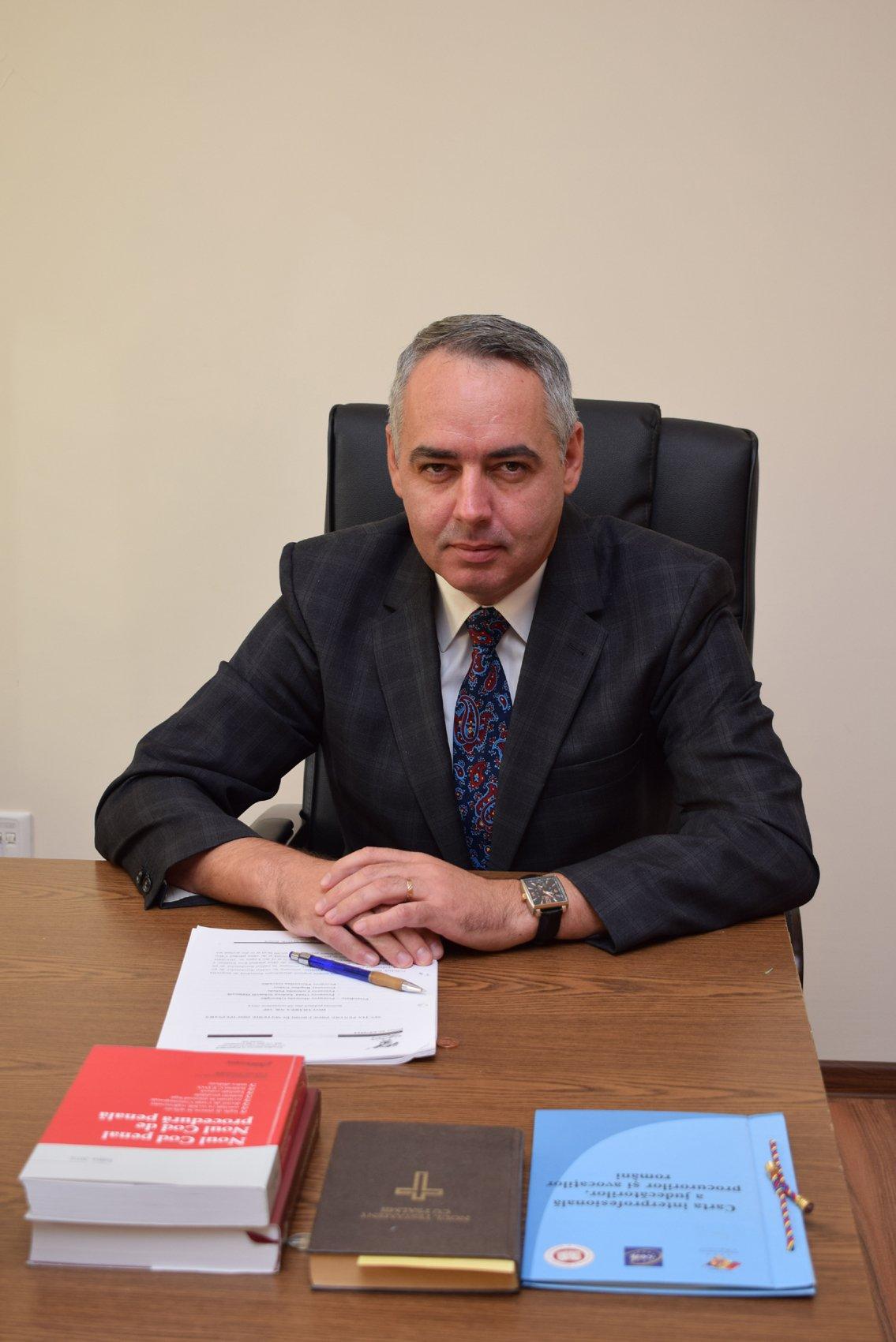 http://revista22.ro/files/news/manset/default/Bogdan-Gabor-2.jpg