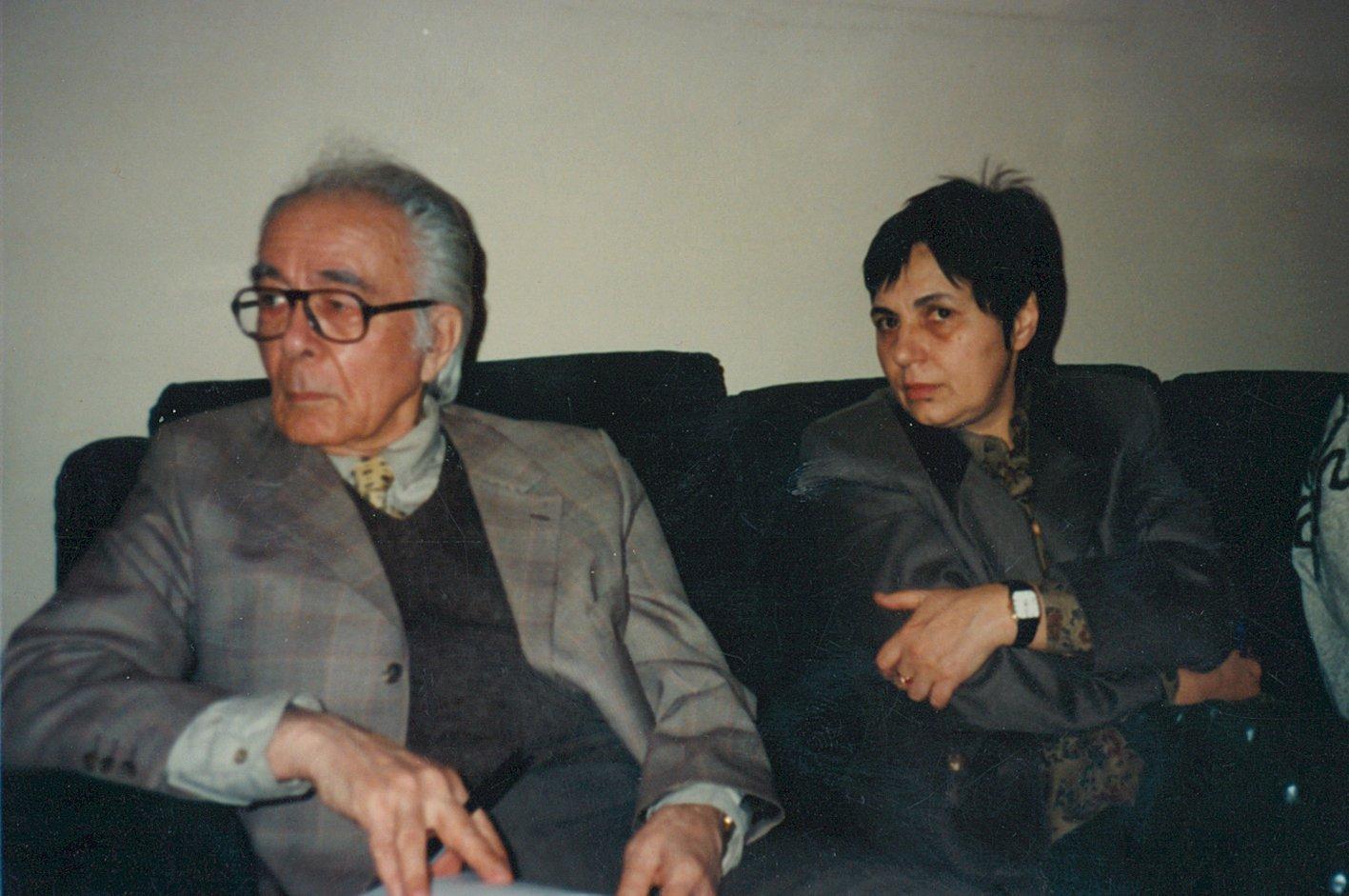 http://revista22.ro/files/news/manset/default/foto-sora-02-carneci.jpg